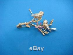 Adorable 2 Singing Love Birds 18k Yellow Gold Vintage Brooch, 10.1 Grams