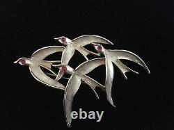 Crown Trifari Vintage Gold Tone Flock of Bird Brooch