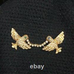 Mayor's Vintage 18k Yellow Gold 1cttw Diamond Emerald Sapphire Birds Brooch