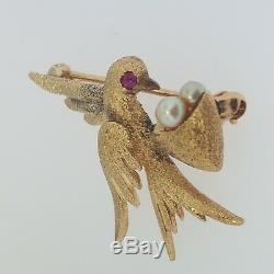 Vintage 14K Yellow Gold Detailed Swallow Bird with Pearl Eggs Nest Brooch Pin