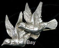 Vintage Beautiful Sterling Silver Two Flying Dove Birds Brooch Pin About 4 Grams