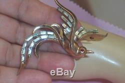 Vintage Crown Trifari Gold Tone Clear Rhinestone Baguette Bird Paradise Brooch