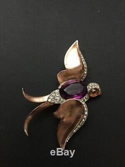 Vintage Crown Trifari Swallow Bird Purple Glass Belly Figural Brooch Dressclip
