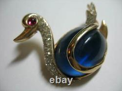Vintage Stamped Trifari Jelly Belly Duck Swan Bird Blue Cabochon Brooch Pin