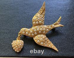 Vtg Signed Ben-Amun Gold Tone Bird w Heart Seed Pearls Pin Brooch